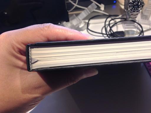 BLANCPAINのカタログの厚み